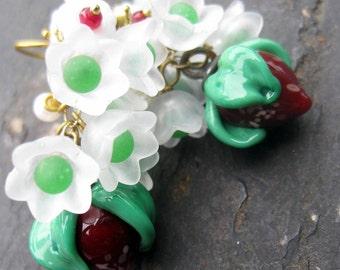 Glass strawberry earrings vintage rhinestones pearls lucite flower earrings topaz cluster earrings gold dangle earrings retro beaded jewelry