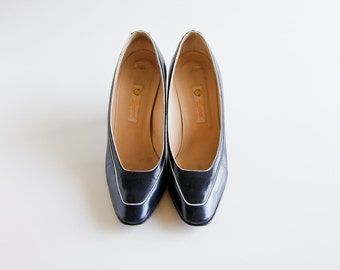 Vintage Navy Nautical Authentic GUCCI Pumps Size 6.5