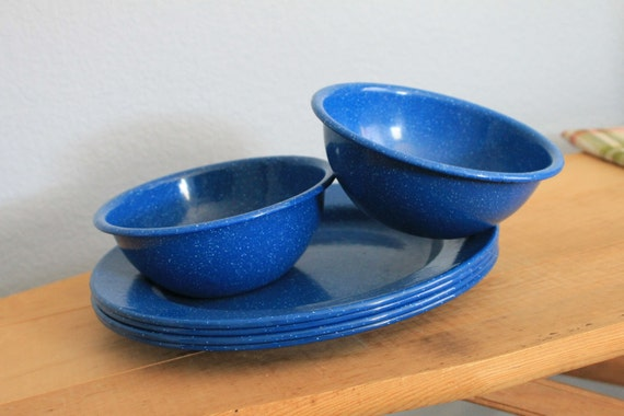 Vintage Camping Dishes Speckled Blue Enamel  Set of 4 Plates and Two Bowls