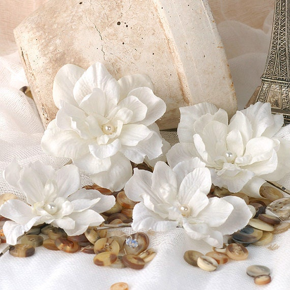 Vanilla White Wedding Hair Flowers, Bridal Bobby Pins, Wedding Hair Accessories,  Woodland Hair Pins, Bridal Floral Hair Piece