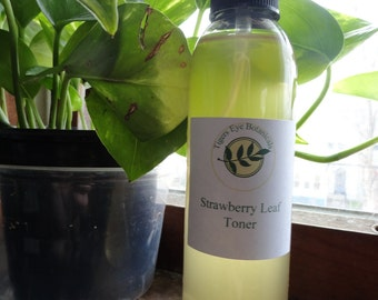 Strawberry Leaf Toner (8 oz)