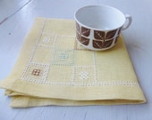 HALF PRICE Vintage Swedish tablecloth / Small embroidered square
