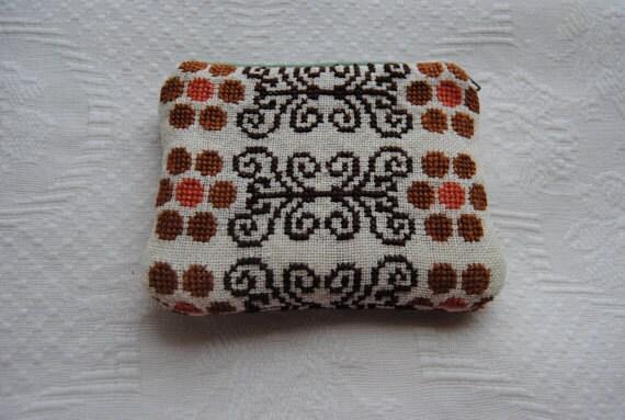 SALE Swedish linen zipper pouch / Handmade