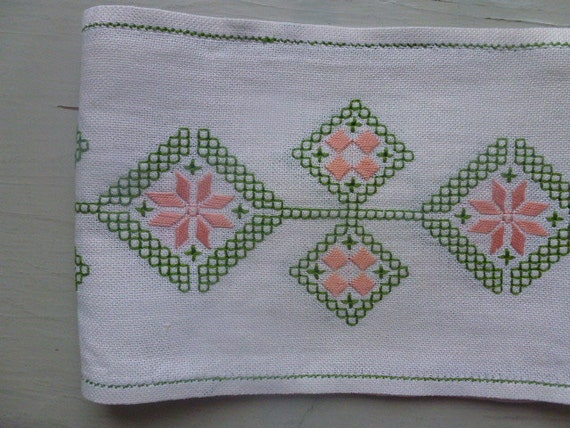Vintage Swedish tablecloth / 60s table runner