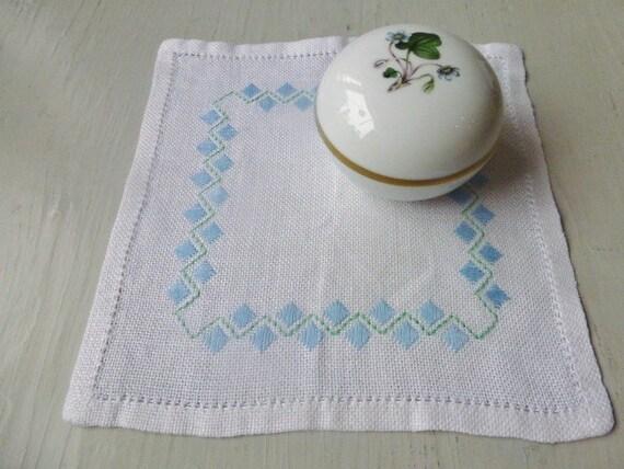 Vintage Swedish tablecloth / Small tablecloth