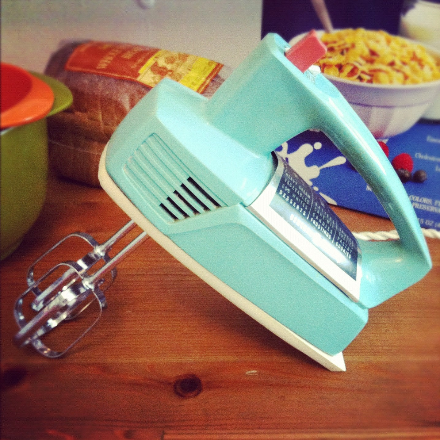 Vintage retro general electric hand mixer for Antique general electric mixer