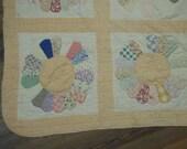 Antique Quilt Dresden Plate