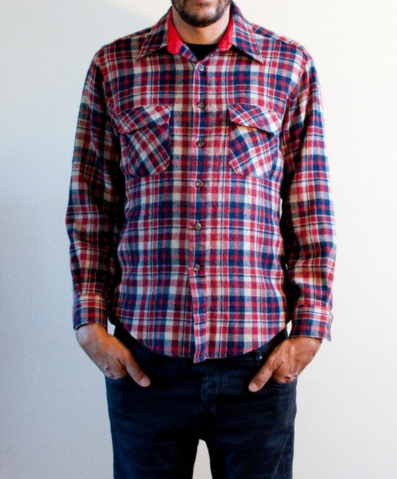 1970s MEN'S MEDIUM plaid flannel in red white and bluel