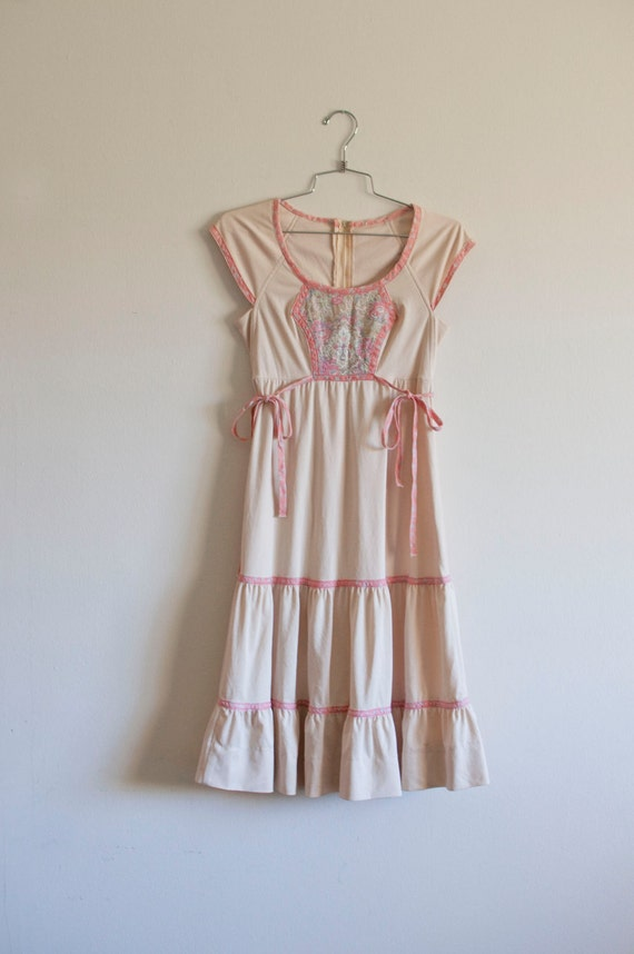 1970s SML/MED folk praire tiered layer dress