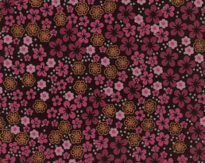 Fabric / Raspberry Print / 100% cotton / from Fabric Finders / 982