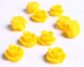 10mm Dark yellow flower cabochon - Yellow rosebud cabochons - Yellow rose cabochons - 3d cabochons (071) - Flat rate shipping