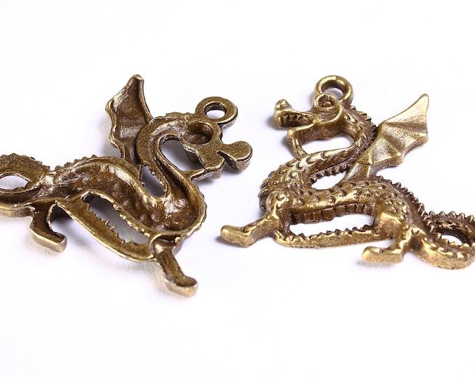 Antique brass Dragon charm - Dragon pendant - Nickel free - Lead free - 1 piece (555) - Flat rate shipping