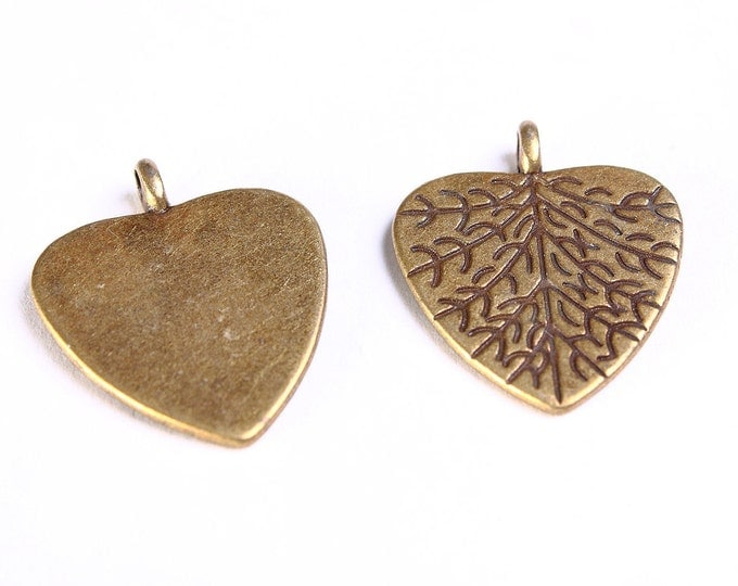 Heart leaf charms - Heart pendant - Antique brass pendant - antique brass charms - Nickel free - Lead free (556) - Flat rate shipping
