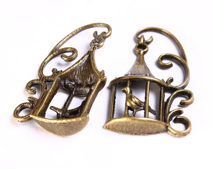 Bird in a cage antique brass charm - Bird pendant in antique brass - 34mm x 20mm - lead free - nickel free (573) - Flat rate shipping