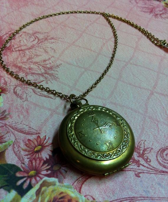Vintage Locket. Vintage pocket watch locket. Clock Perfume Locket. SALE