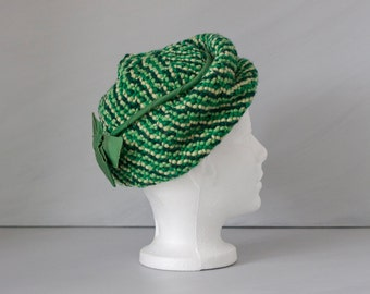 Vintage 60s green wool floppy crochet hat with bow