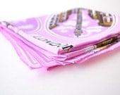 kitschy 50s london souvenir scarf / purple pink color