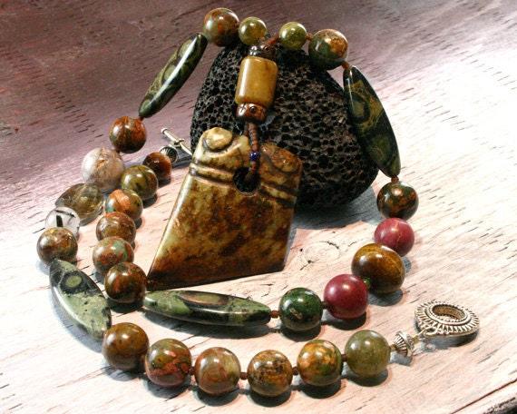 Old Jade Pendant Necklace, Ethnic Jewelry, Shaman Necklace, Mens Bead Necklace, Tribal Necklace, Carved Jade, Natural Gemstone, Fine Jewelry