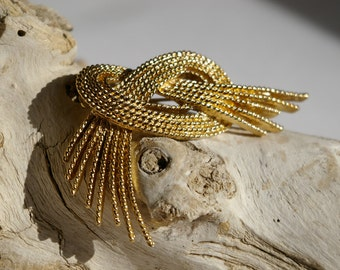 Vintage Monet Brooch - Knotted Rope Strands - Gold Tone-  1960's