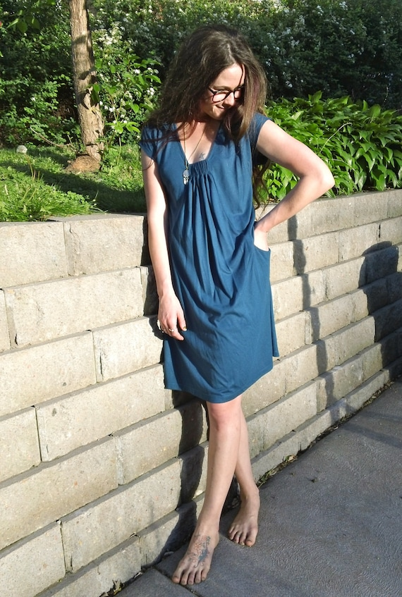 Mod/ Vintage/ 60s Style/ Navy Blue Pleat-Front Dress by Metro 7