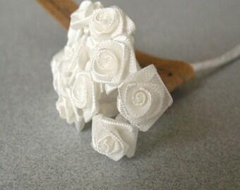 3 flowers Branchs 30 White Mini Fabric Flowers