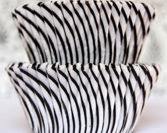 Cupcake Liners  Baking Cups Stacks  (100)  Black Candy Stripe