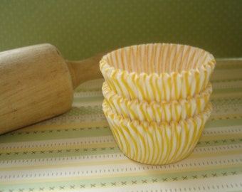 Mini Cupcake Liners Yellow Stripe  Paper Baking Cups , Cake Pops  Candy Cups 30