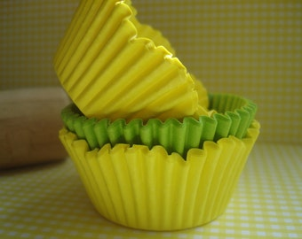 Spring Yellow Scallop Cupcake Liners, Specialty Lime Green Baking Cups (70 ) Perfect Wedding