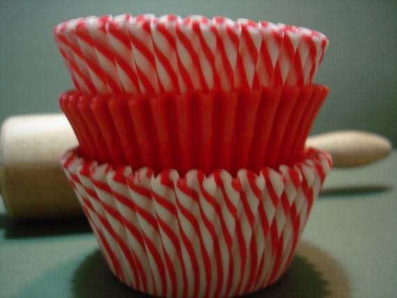 Cupcake Liners Holiday Baking Cups 60 Red and  Candy Stripe