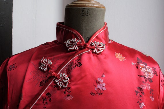 In the MOOD for LOVE... Vintage red cheongsam blouse. Mandarin collar. Size S to M