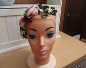 Vintage Hat Fascinator 1950s with Roses
