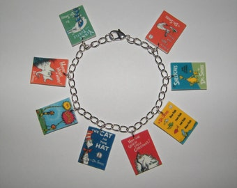 Dr Suess Book Cover Charm Bracelet Cat in the Hat, The Grinch, Happy Birthday 8 charms Dr Seuss