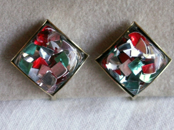 Great Old Lucite Foil Screw Back Earrings Colorful Confetti - Gold Tone and Vintage Beauties