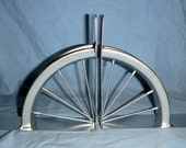 Bicycle spoked wheel book ends