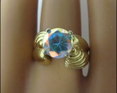 Exceptional Vintage Gold Over Sterling Ladies Ring With Gorgeous Iridescent Stone Size 6