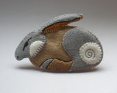 Hare - wool felt, hand stitched brooch.