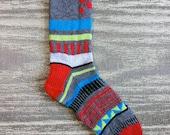 Hand knit unique multi color men's washable wool socks. Grey Top Mens Sox 1.1