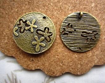 20pcs 23mm antique bronze round flower charms pendant R23409