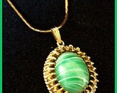 """Vintage Gold Metal Pendant w Green Givre Glass Stone & Gold Chain 18"""" EX"""