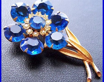 """Rhinestone Flower Brooch Pin Blue & Ice Color High Fashion Gold Plated Metal 2 1/4"""" Vintage"""