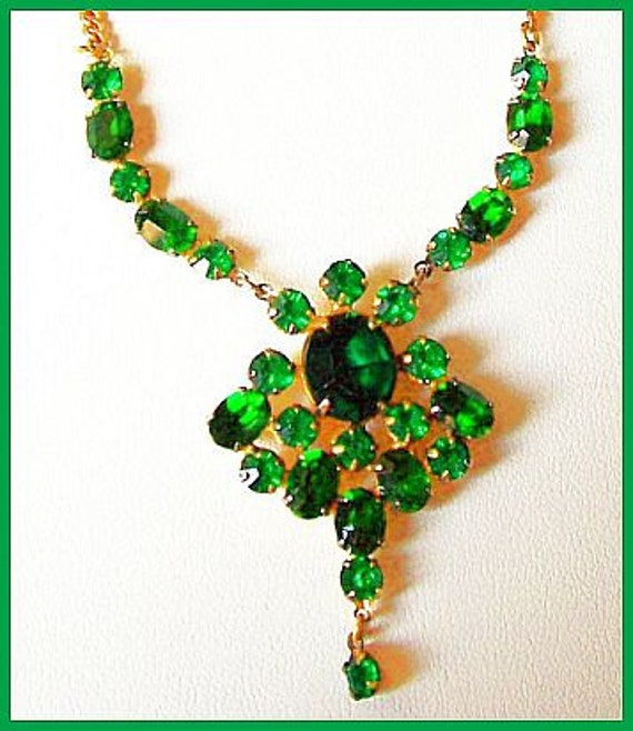 "Green Rhinestone Bib Necklace Pendant Vintage Dangle Gold Metal 16"" VG 1940s"