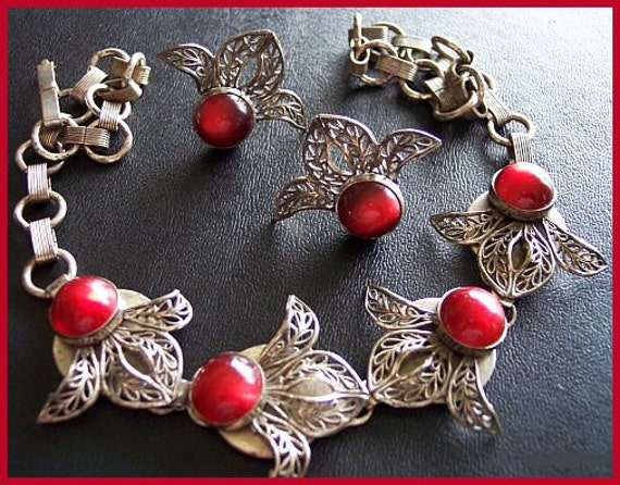 Vintage Necklace Earring ANTIQUE SET Silver Leaf Filigree Metal  & Red Iridescent Glass Cabs