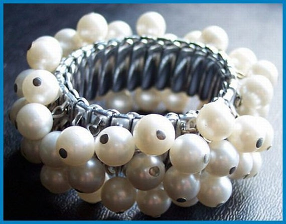 Vintage Expansion Bracelet Cha Cha Style w 3 Rows Pearl Beads Pin & Wired Silver Metal