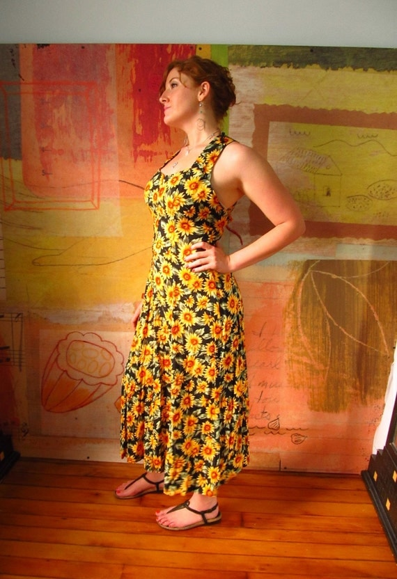 SUNFLOWER DRESS )( Vintage Floral Maxi Dress )(  All that Jazz )( Medium/Large )( 9/10