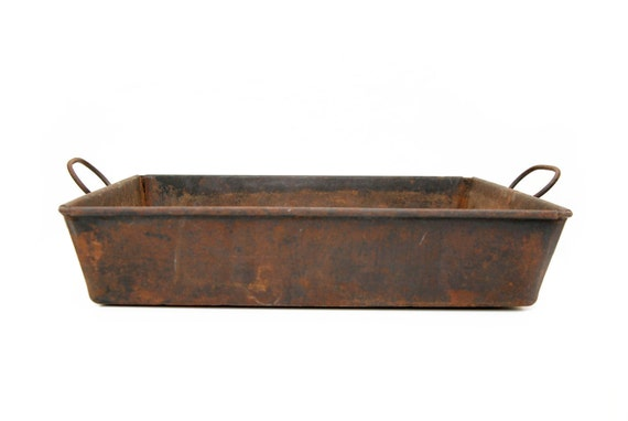 Shabby Metal Tray with Handles