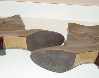 """80 Vintage Soft Brown or Grey Letaher Boots """"Very Chic"""""""