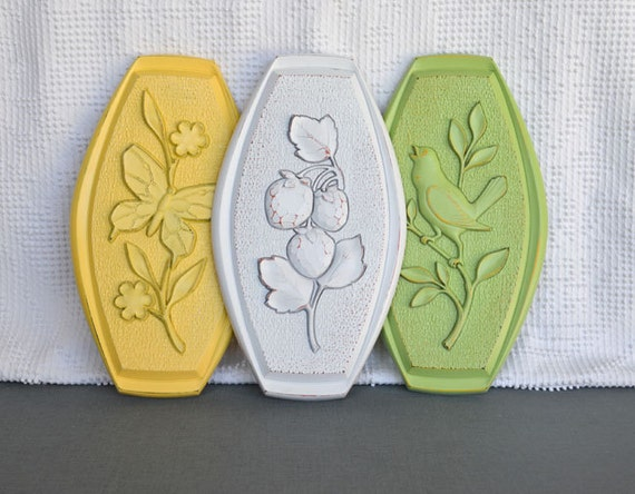 Butterfly, Bird and Berries Upcycled Wall Plaques Vintage Syroco Wall Hangings Yellow White Green Country Cottage