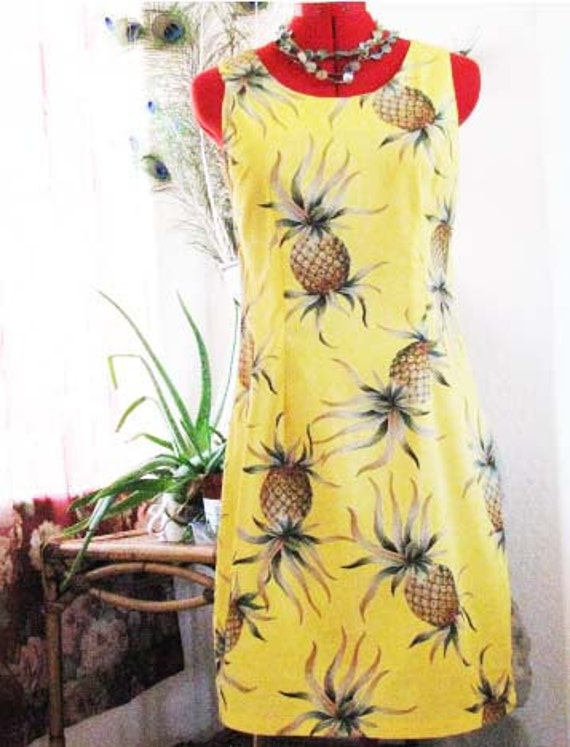 Vintage Dress Hawaiian WIGGLE Yellow Pineapple - HAWAIIAN Rockabilly Kitsch - 1980s-90s - Treasury Item  Labeled Ho ALOHA - Adorable
