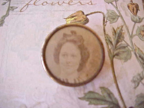 Dearest Victorian Brooch with Sepia Photograph of Pretty Girl