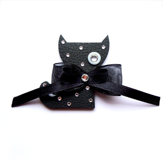 CAT BROOCH LISA in black with black satin bow